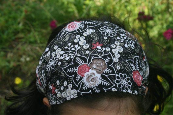 Кърпа за глава- черно на цветя
